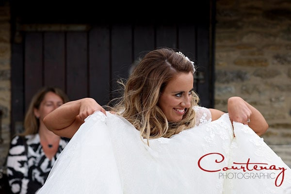 funny bride lifts skirt