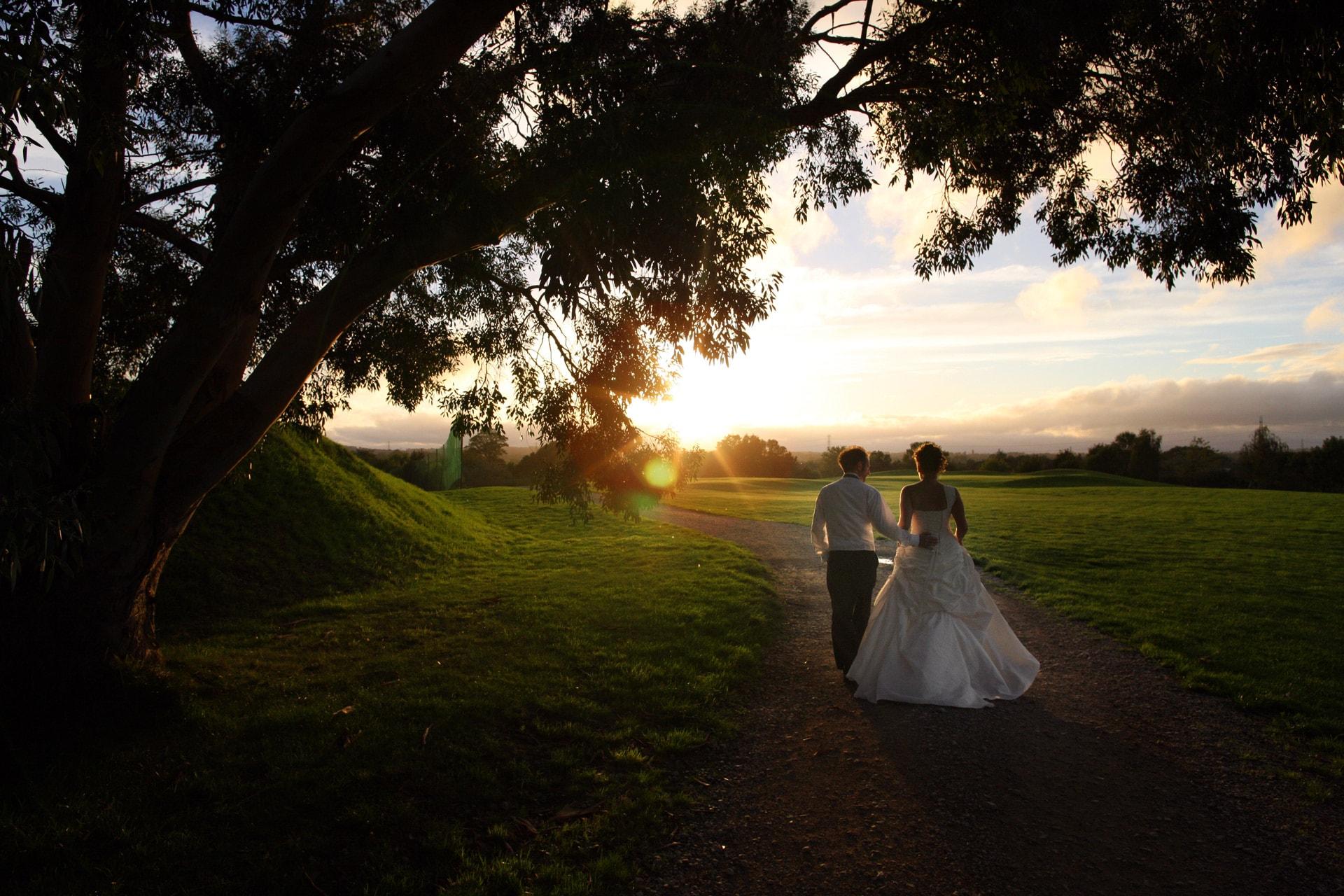 bride-groom-walk-at-sunset