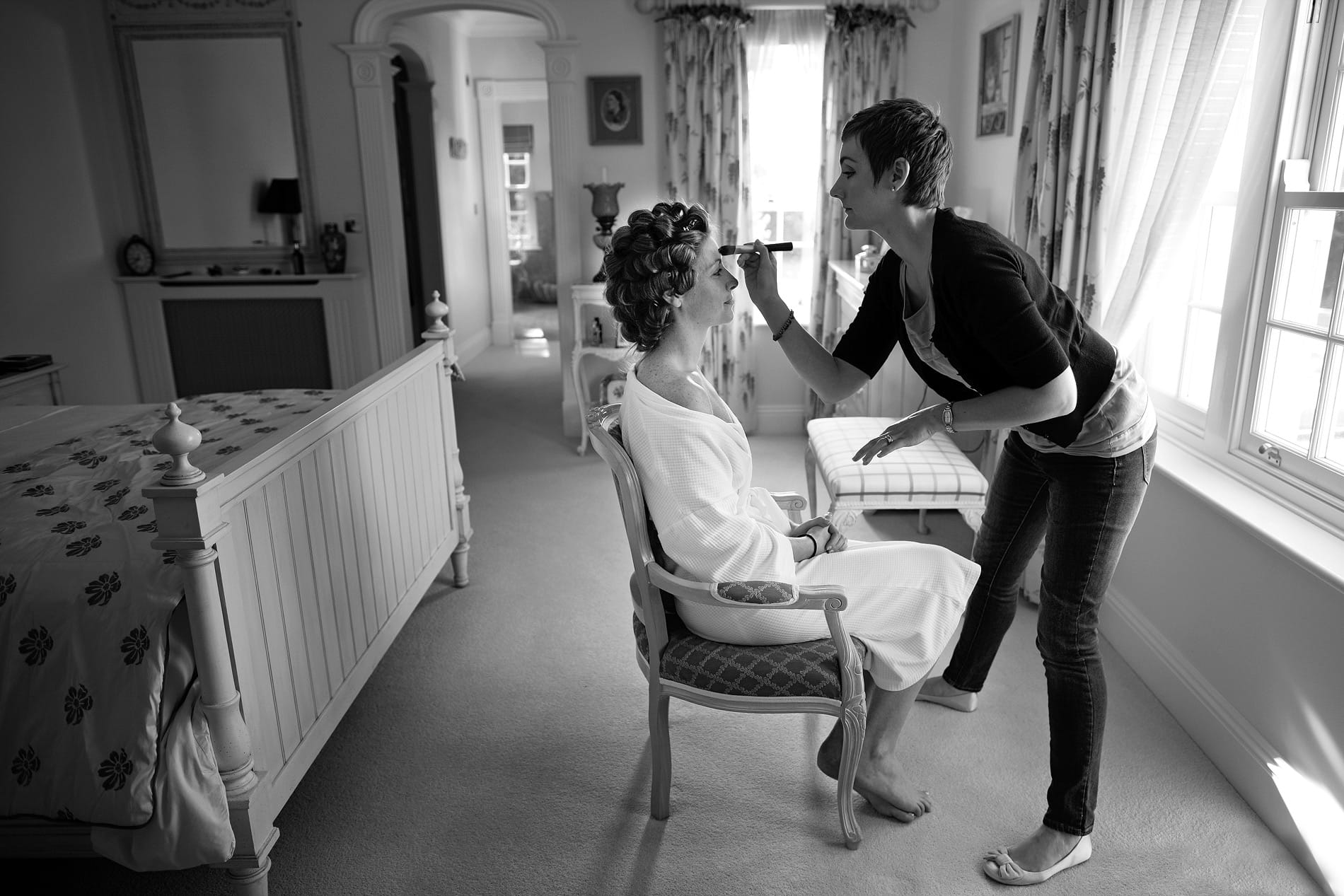 bride-with-make-up-artist