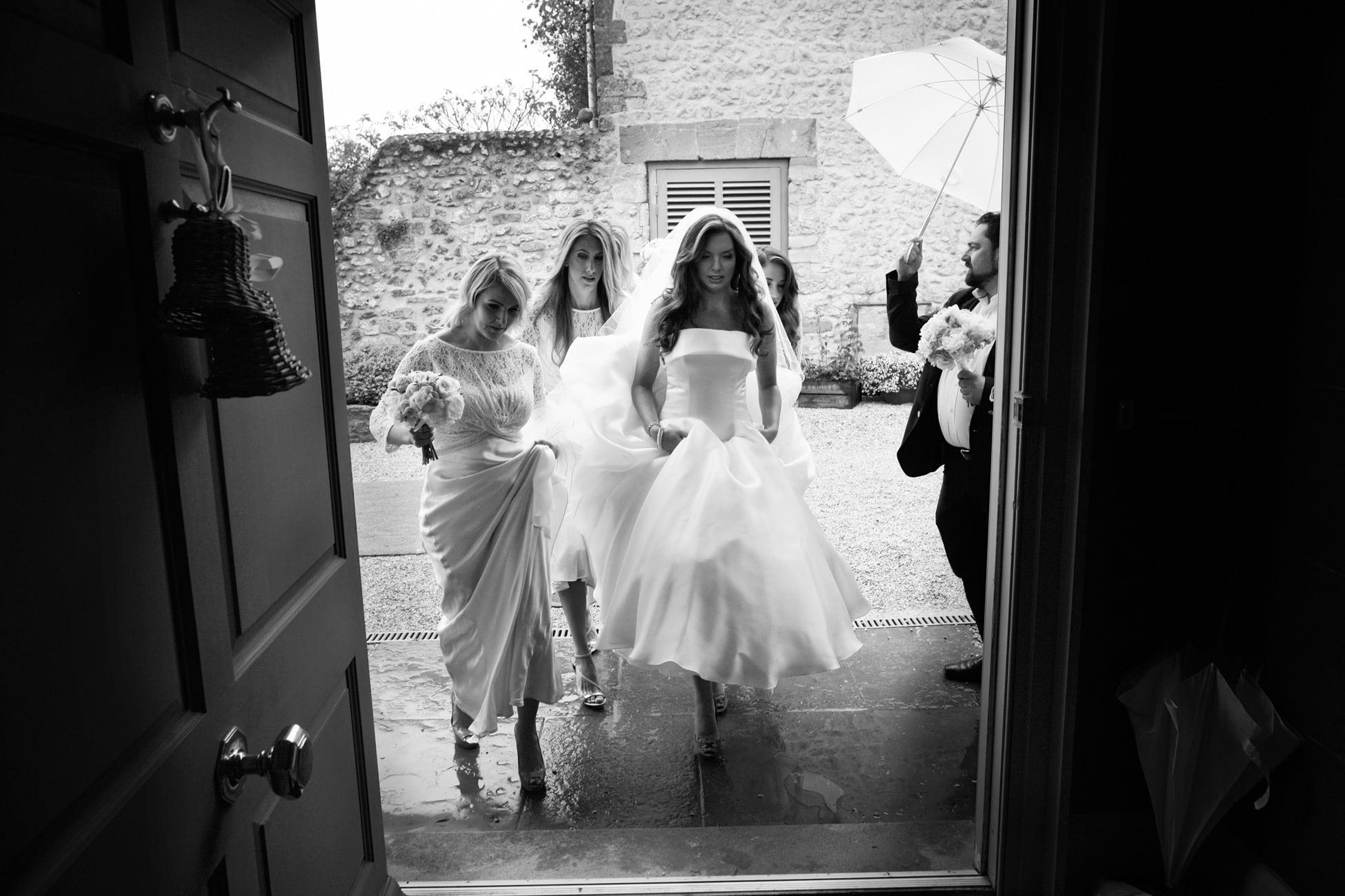 Stunning-bride-in-rain