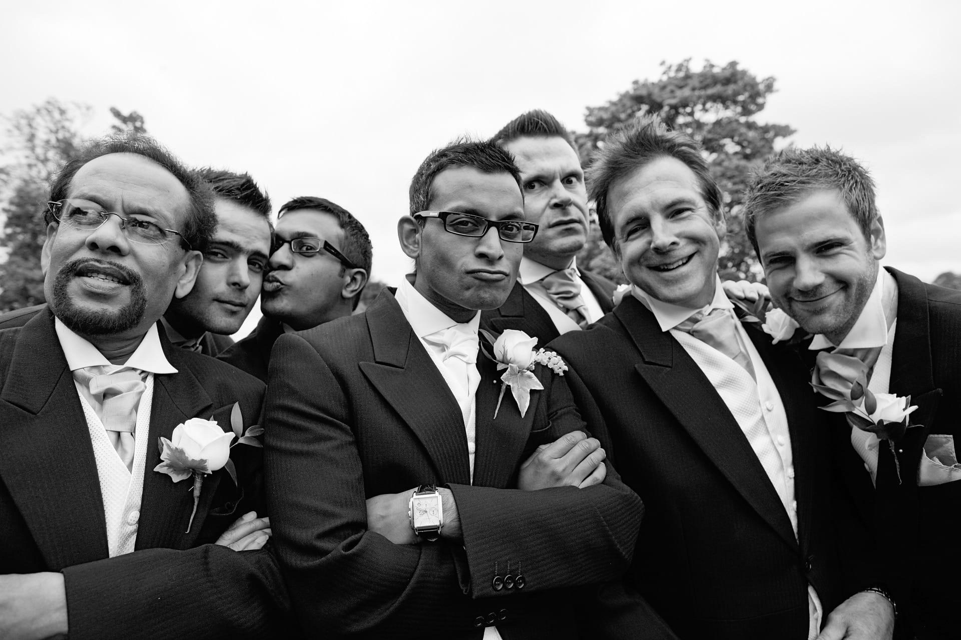 wedding-party-formal-groomsmen-fun