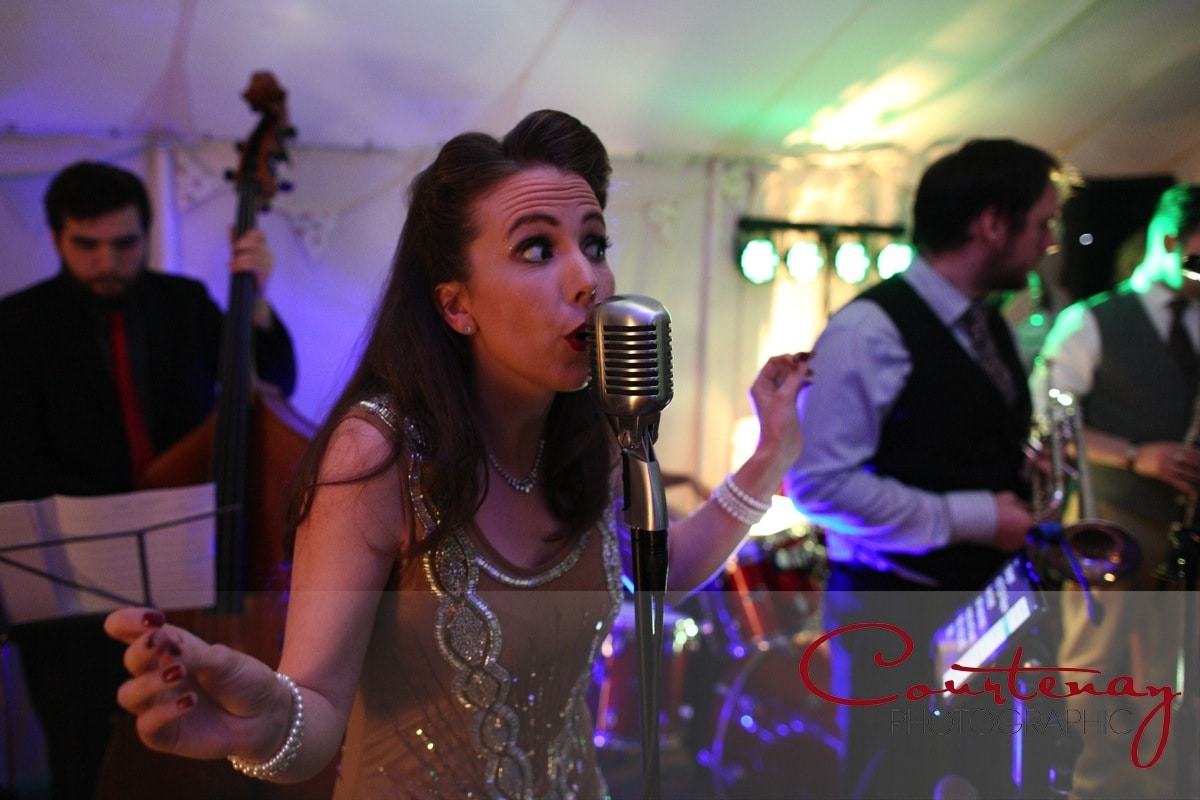 jazz singer entertains the wedding party