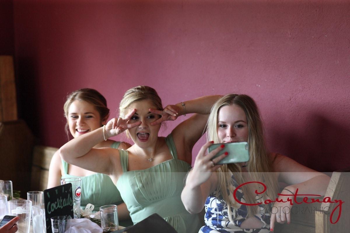 bridesmaid selfies