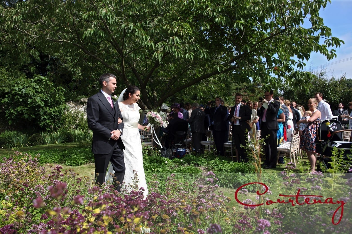 Ashton Farm Dorset Wedding of Siân and Andrew