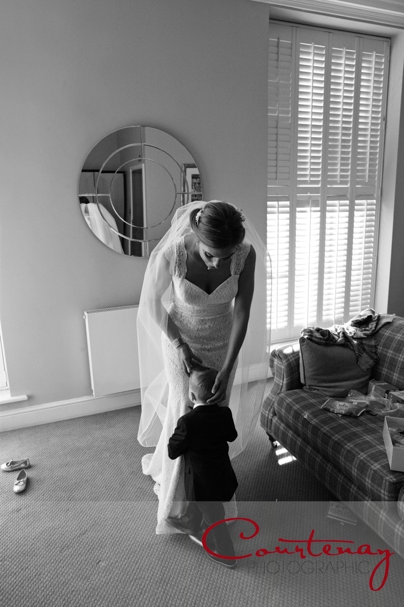 bride and her little boy