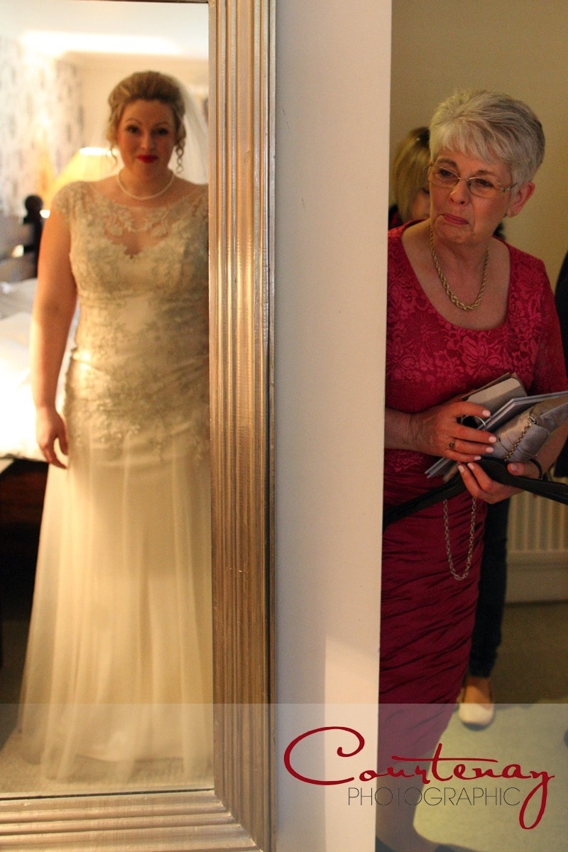 mum see bride ready to get married