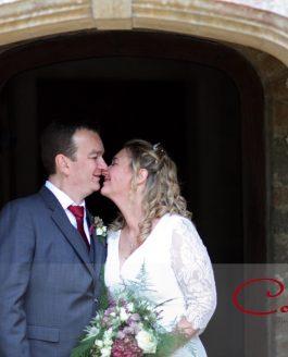 Chaffeymoor Grange Dorset wedding of Jayne & Phil